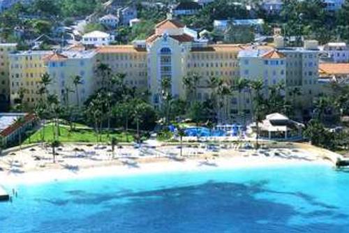british-colonial-hitlon-nassau-new-providence-island-bahamas